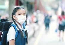 Coronavirus Kind mit Atemschutzmaske